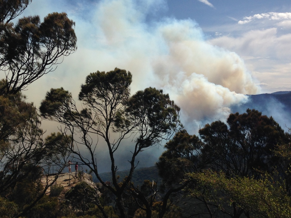 Ruined Castle fire from Sublime Point 1 December.JPG